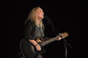 Melissa Etheridge performs at the 2015 Music Festival for Brain Health, Saturday, September 19, 2015, at Staglin Family Vineyard in Rutherford, Napa Valley. Courtesy Music Festival for Brain Health/Rafael Motta/Flying Pig Studio