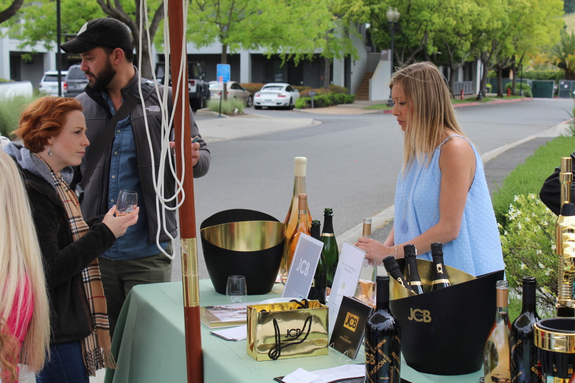 yountville sip and stroll